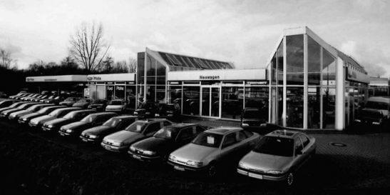 1.850qm Hightech auf einem 6.000 qm Areal: das Autohaus Pfohe in Norderstedt